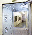 エアーシャワー室